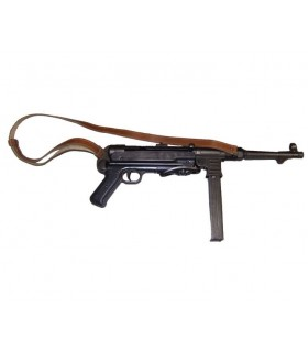 MP40 automatic submachine gun with strap, Germany 1940