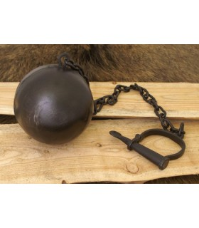 Shackle chain and ball