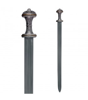 The sword in Anglo-saxon Fetter Lane, s. VIII
