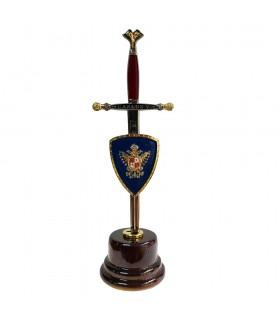 Miniespada with miniescudo and pedestal of Carlos V