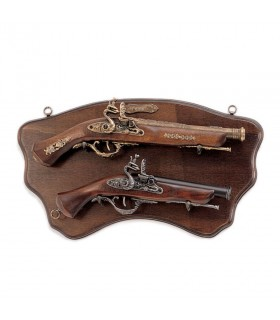 Panoply of wood with guns old