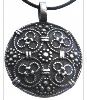 Round pendant Vikings reasons