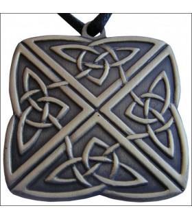 Celtic knot pendant 4 directions