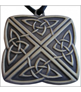 Celtic knot pendant 4 directions