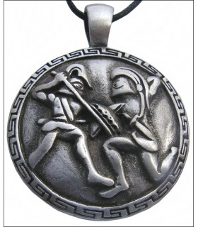 Spartans fight pendant